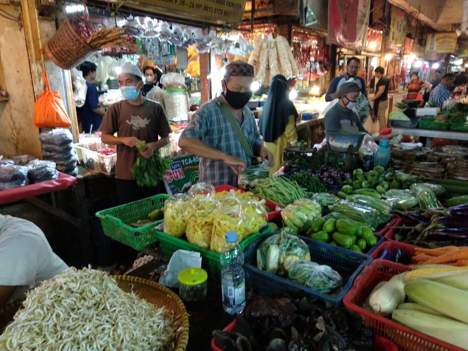 PPKM Darurat Ke Hari 10 : Komoditi Pasar Basah, Sayuran dan Bahan Pokok Tetap Buka